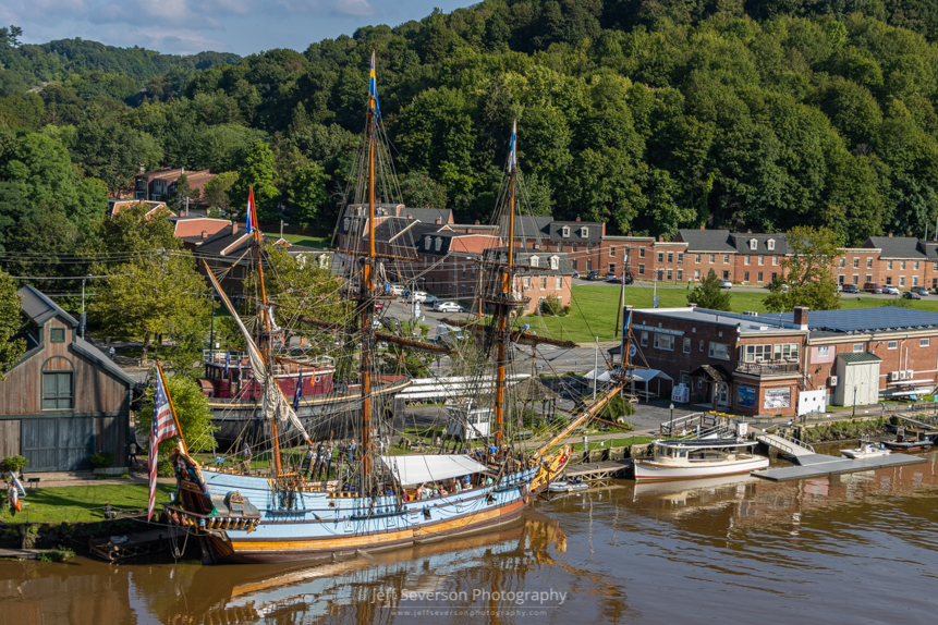 A photo of the Kalmar Nyckel, a replica of 1627 Dutch-built armed merchant ship and Swedish colonial ship, as it sits docked on the Rondout Creek at the Hudson River Maritime Museum.